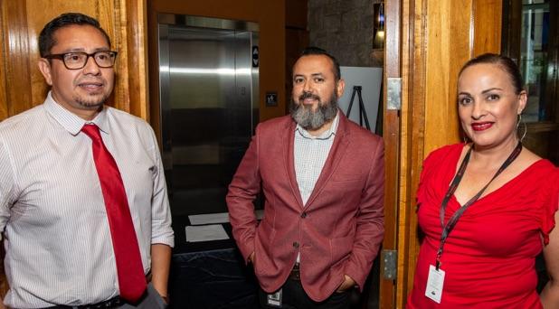 Latino employees at a CONEXIÓN event